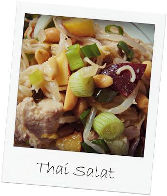 thaisalat mit Pfirsisch und Hühnchen