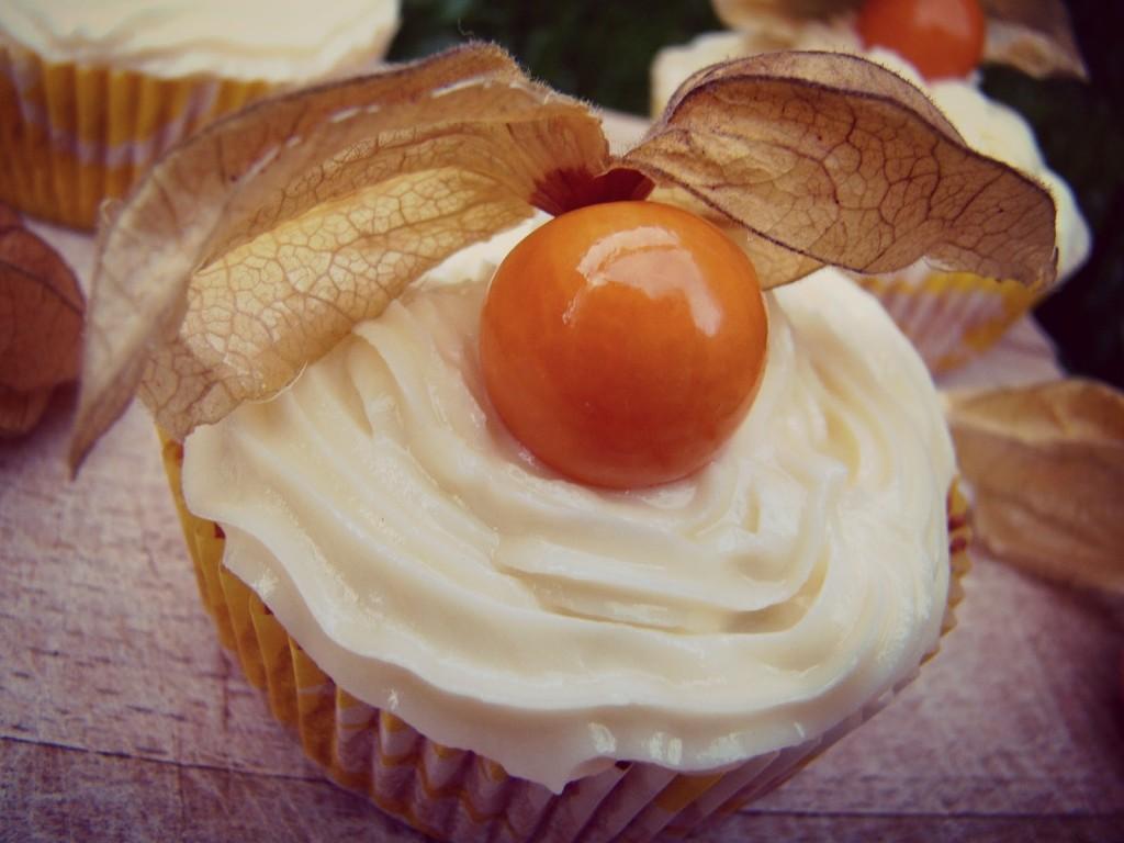 Kürbis Cupcakes mit weißer Schokolade Cream Cheese Frosting