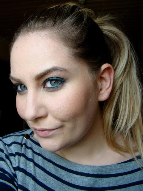 Blaue-Augen-Amu-