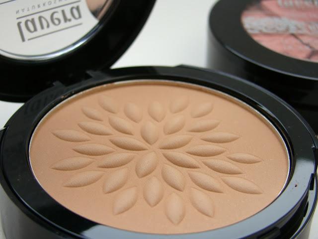 Mineral-Compact-Powder-Honey-Nude-Lavera-Urban-Skies