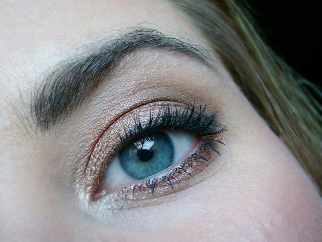 Nachgeschminkt-Kupfer-Bronze-blaue-augen