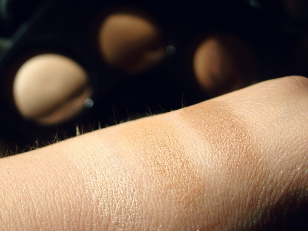 Swatches Laura Mercier Blush & Glow Radiant Face Trio